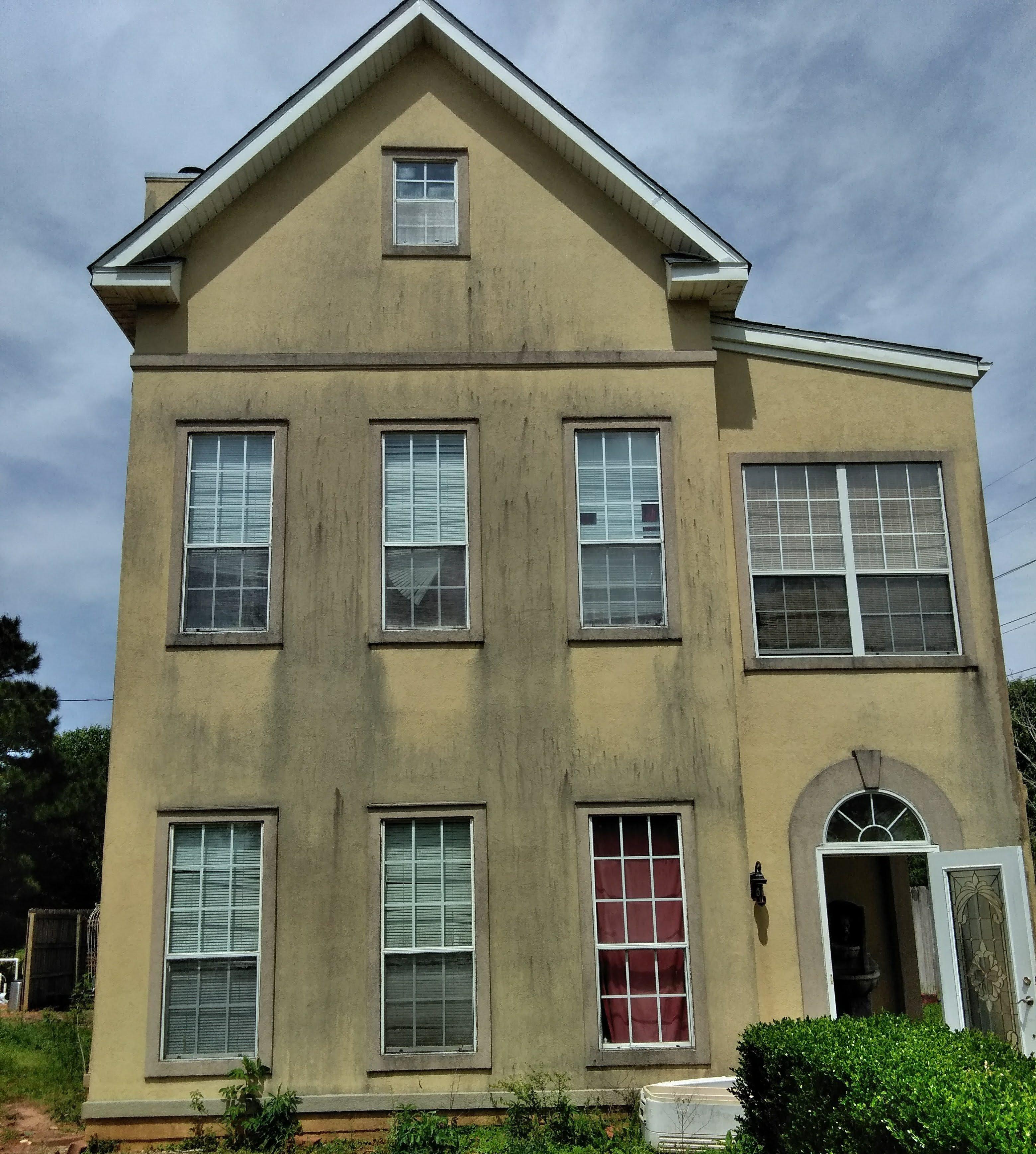 Softwashing Stucco Home Exterior